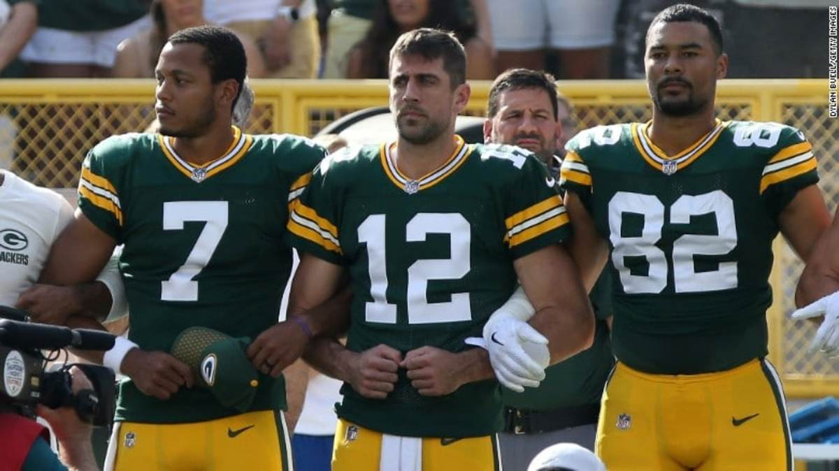 Packers locked arms