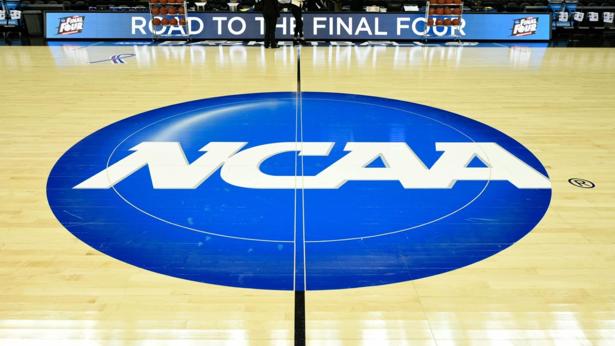 big sale fe3c9 9dadb NCAA proses two early signing periods, adding 10th assistant