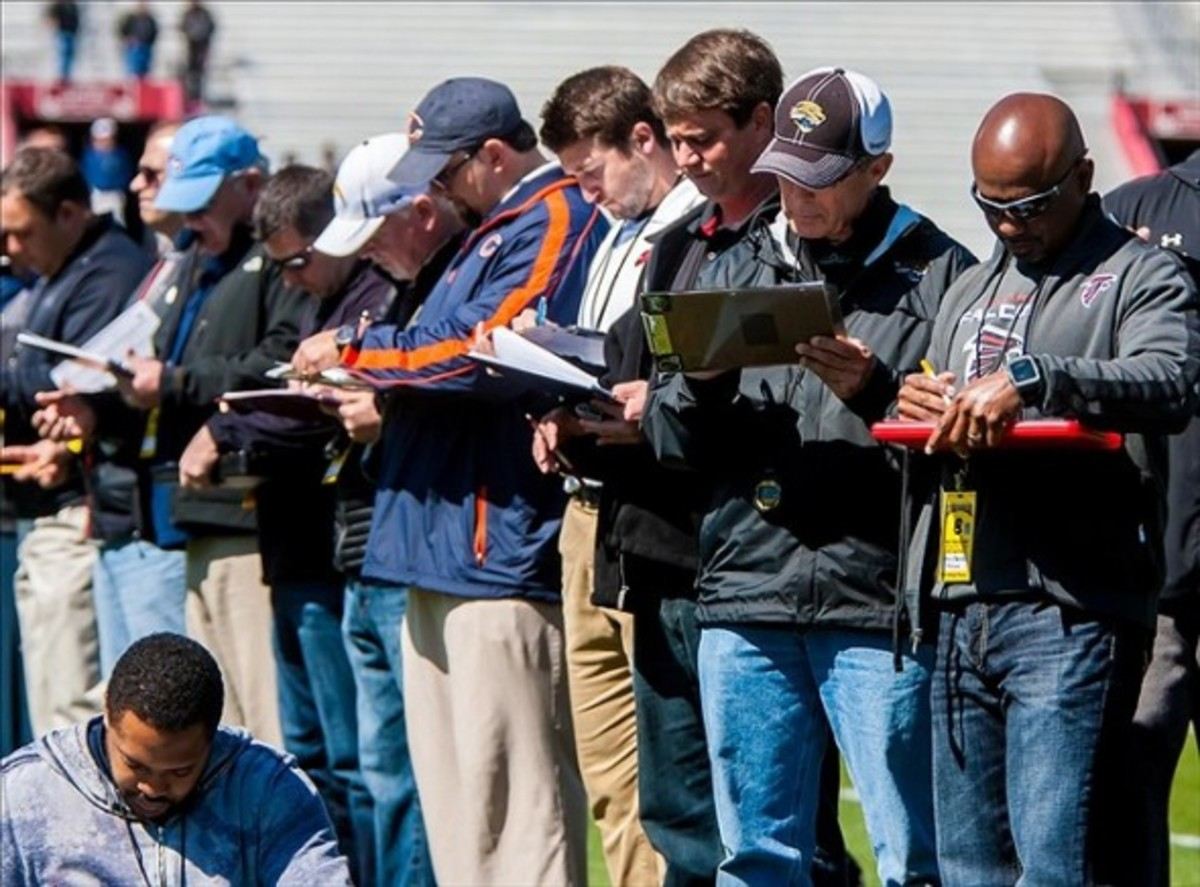 NFL scouts