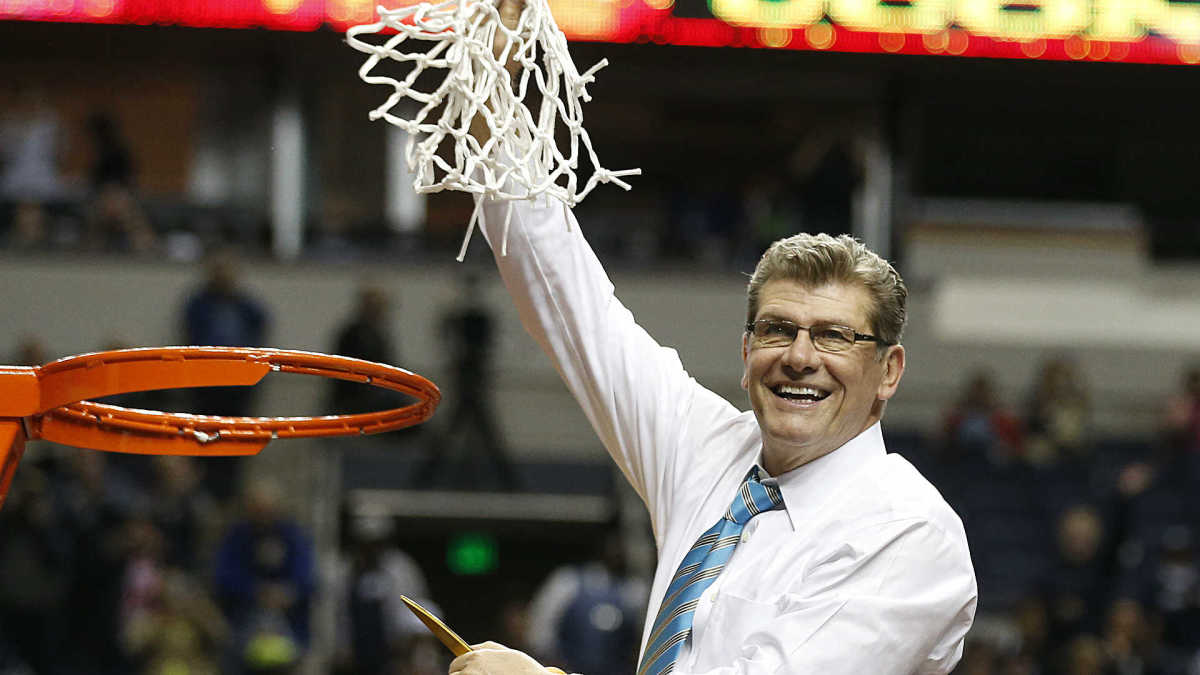 Which college football coach does Geno Auriemma compare to ...
