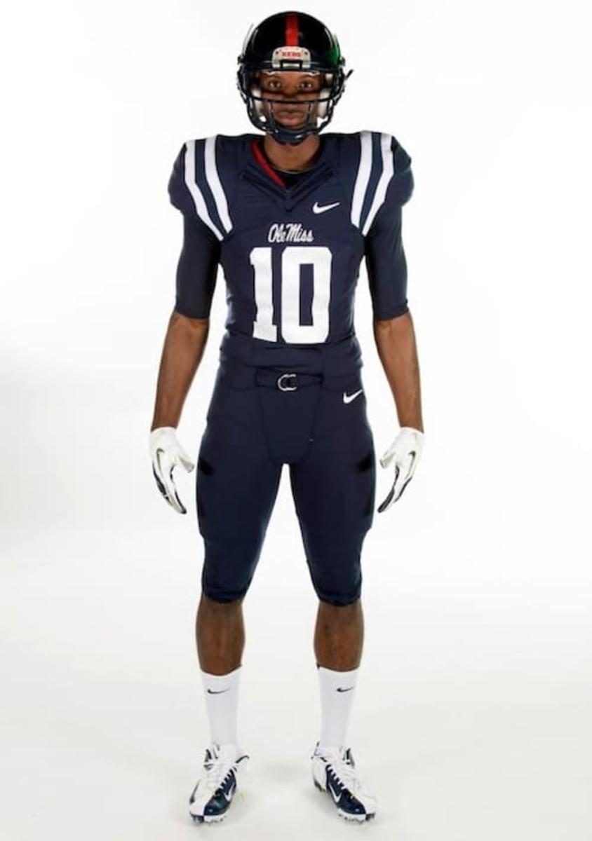 low priced 4ec93 fbb0c Ole Miss, North Carolina unveil new uniforms - FootballScoop