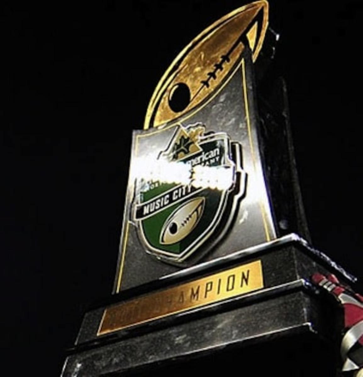 Music City Bowl trophy2