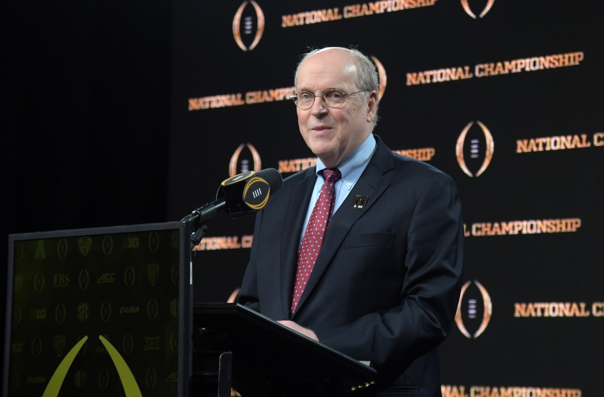 Texas and OU to the SEC could delay College Football Playoff expansion
